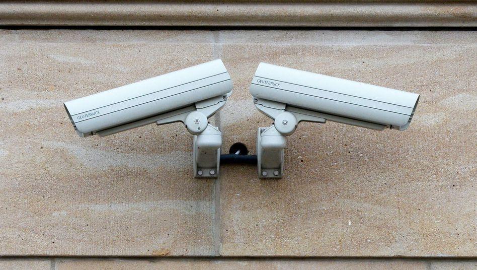 Zwei Videokameras in Potsdam (Brandenburg)
