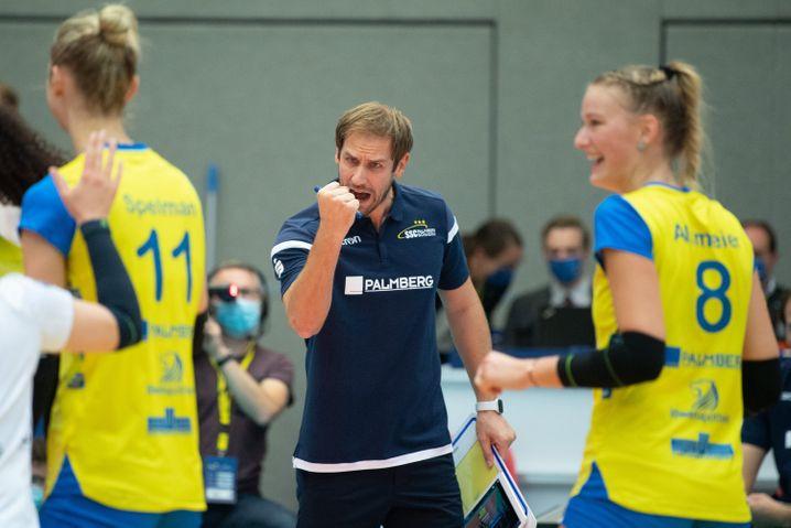 Felix Koslowski trainiert die Nationalmannschaft und den Schweriner SC