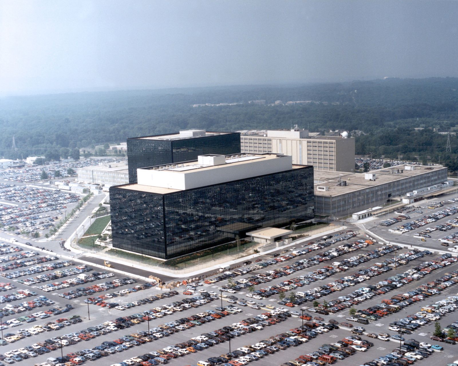 NSA / Skandal / Überwachung / Telefonüberwachung / Verizon / Google / Apple / Facebook / Microsoft