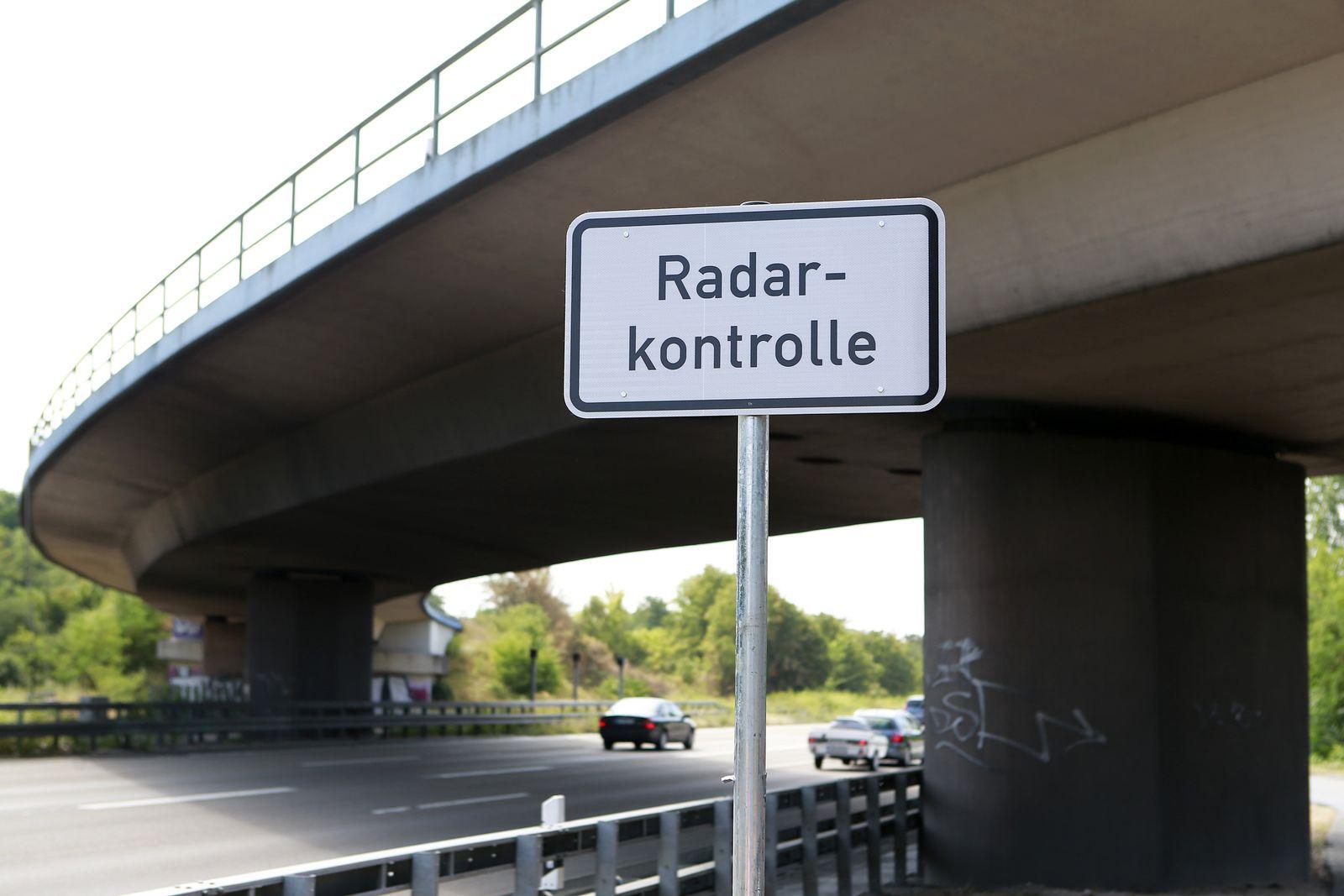Hinweisschild / Radaranlage / Hessen