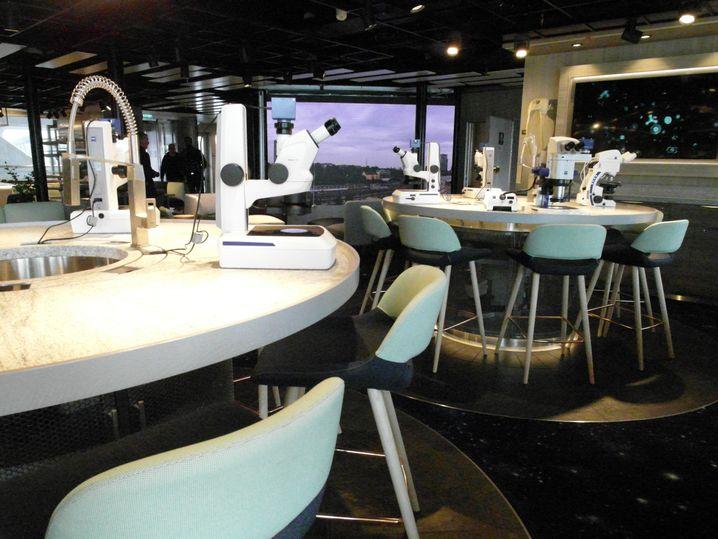Mikroskope im Science Lab: Kreuzfahrt für Amateurforscher