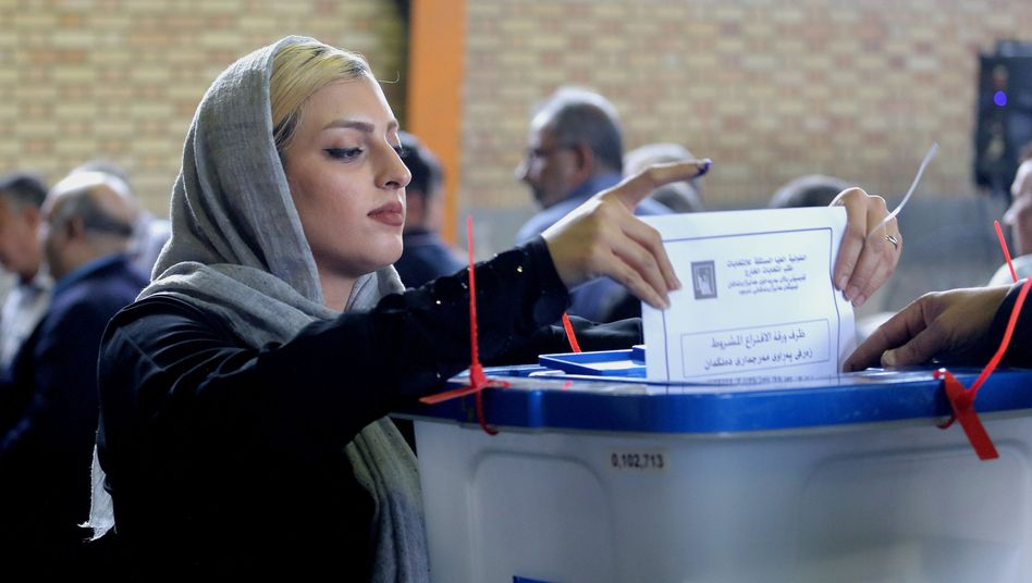 Frau bei Wahlen im Irak