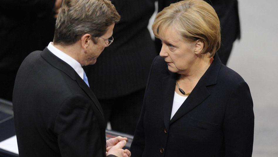 """Außenminister Westerwelle, Kanzlerin Merkel: Die """"beste Konstellation"""" muss nacharbeiten"""