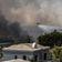 Menschen flüchten vor Großbrand im Norden Athens