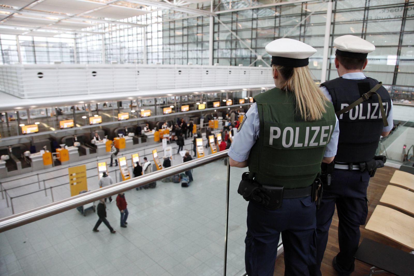 NICHT VERWENDEN Polizei / Flughafen