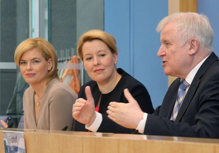 Regierungsmitglieder Klöckner, Giffey, Seehofer