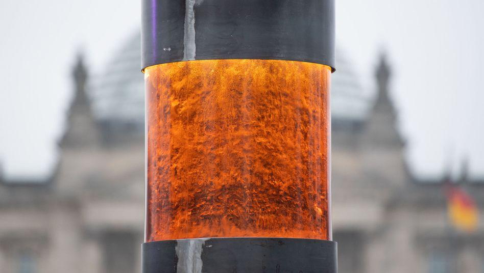Die ZPS-Säule steht vor dem Reichstag