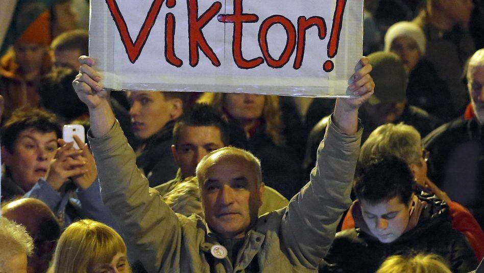 Umstrittener Premier: Proteste gegen Viktor Orbán in Ungarn