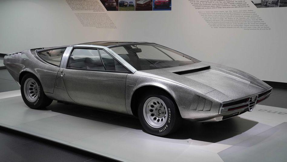 Die Giugiaro-Studie wurde 1969 beim Autosalon in Turin erstmals gezeigt, das Design beeinflusste die Supersportwagen der kommenden Jahre entscheidend