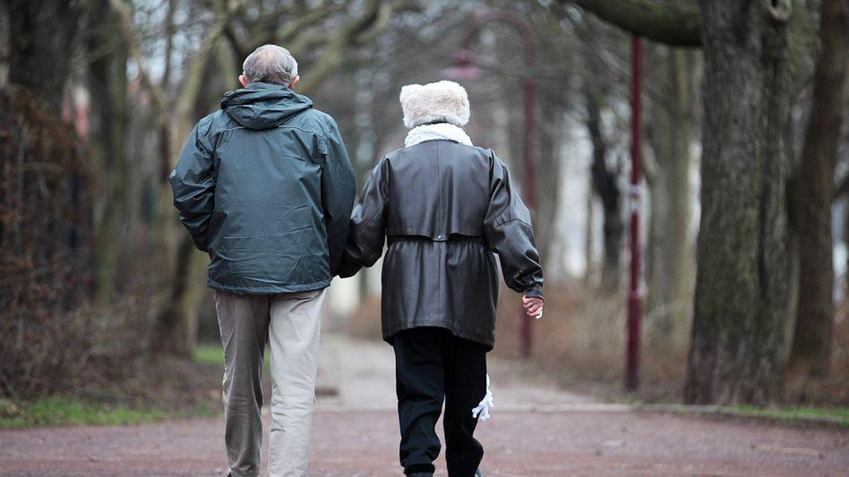Rentnerpaar (Symbolbild)