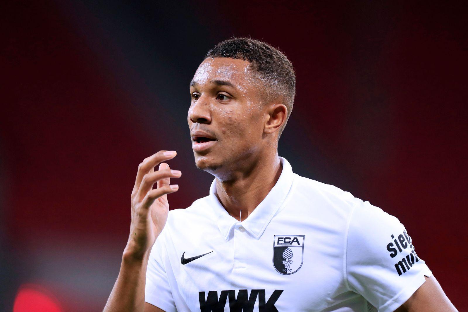 UDUOKHAI Felix Team FC Augsburg DFL Fussball Bundesliga Saison 2020-2021 Spiel Bayer 04 Leverkusen - FC Augsburg 3 : 1