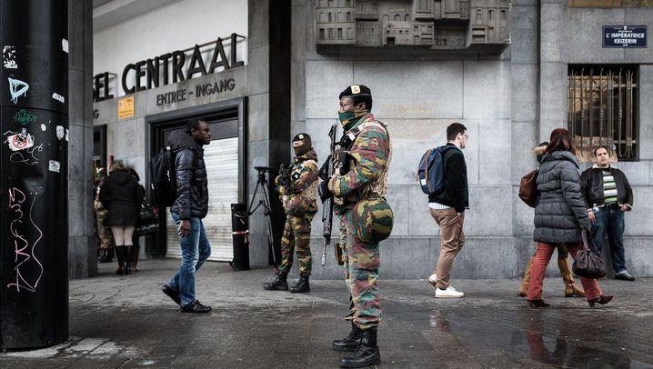 Brüssel nach den Anschlägen: Bürger in Trauer, Soldaten in Alarmbereitschaft
