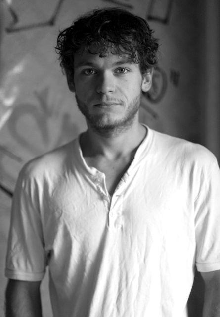 Deutlich weniger und immer billigere Produktionen: Marlon, 26, träumt von der Bühne
