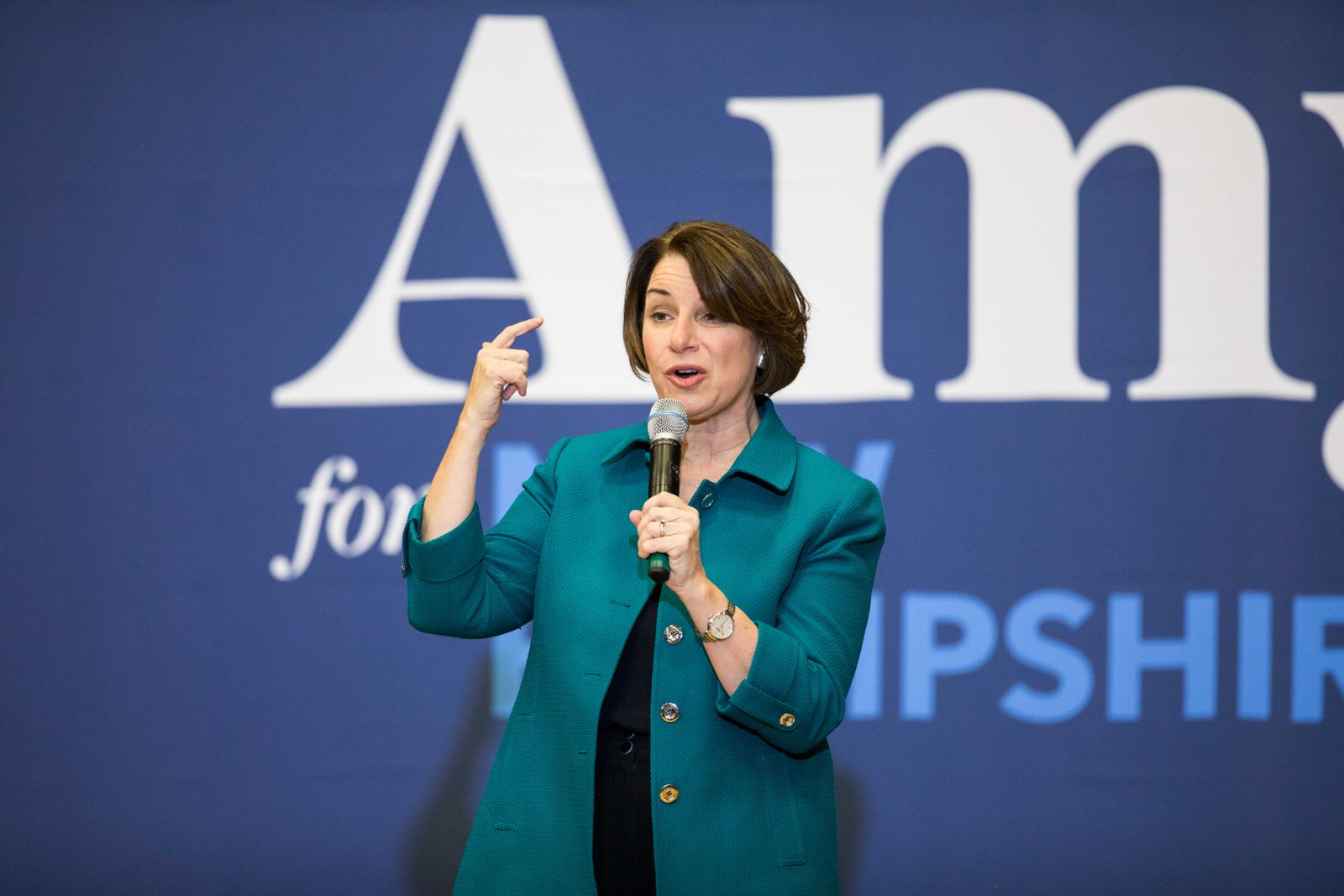Amy Klobuchar Campaigns Across New Hampshire Ahead Of Primary