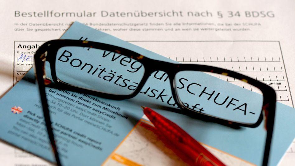 Schufa-Zahlen zeigen: Bildung als Schutzmaßnahme gegen Überschuldung
