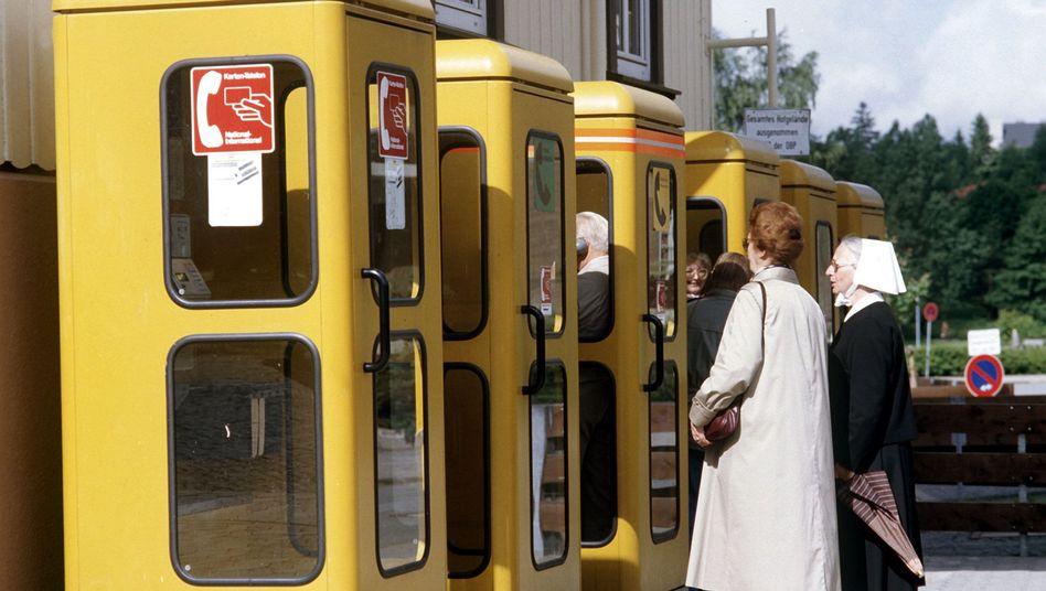 Gelbe Telefonzellen (Archiv)