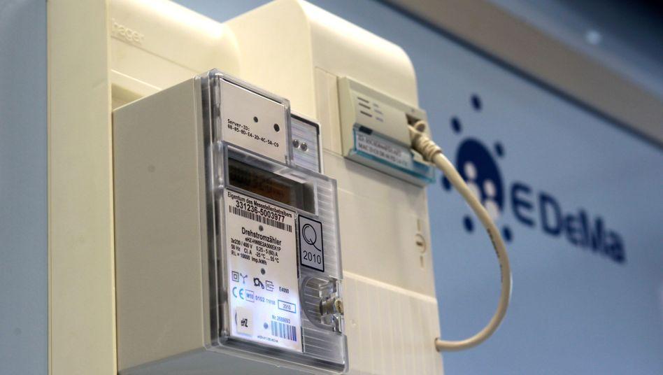 Intelligenter Stromzähler (Archivbild): Kritiker warnen vor Missbrauch der Daten