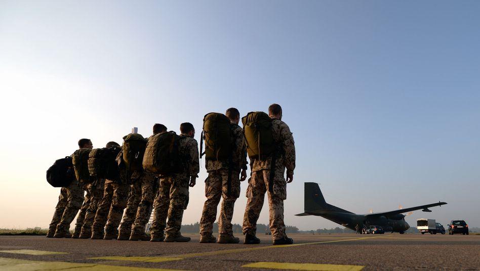 Keine Hilfe für Verbündete? Soldaten auf dem Nato-Flugplatz in Hohn (Schleswig-Holstein)