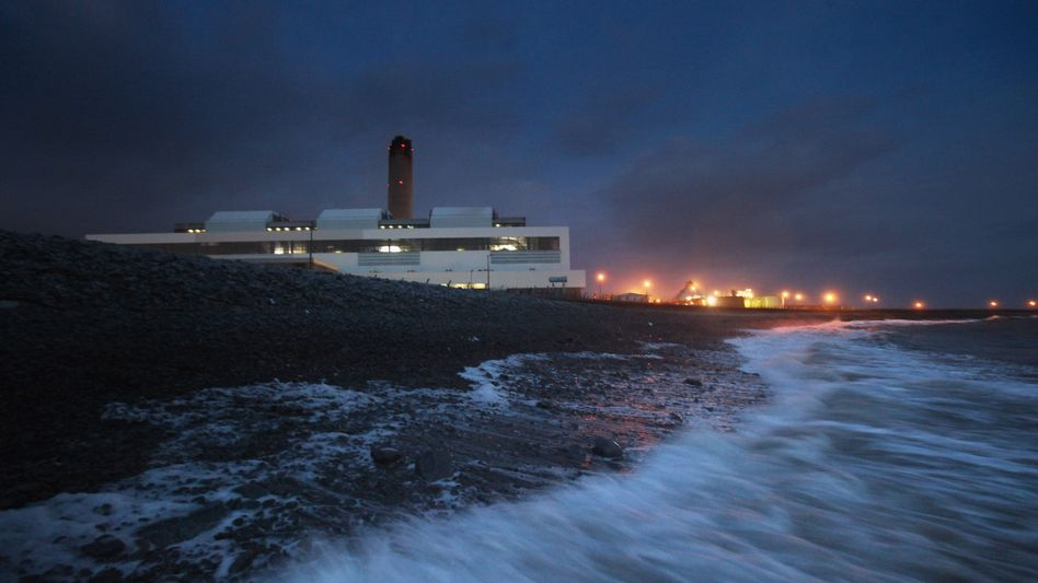 A power station in Wales: Nobody wants to sign any kind of binding treaty at the upcoming climate talks in Copenhagen in December.