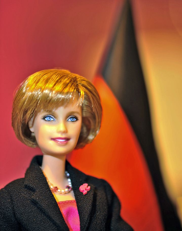Kanzlerinnen-Barbie: Mit dieser Puppe kann Ihr Kind alles erreichen.