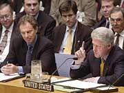 Clinton und der britische Premier Blair (l.) vor dem Sicherheitsrat