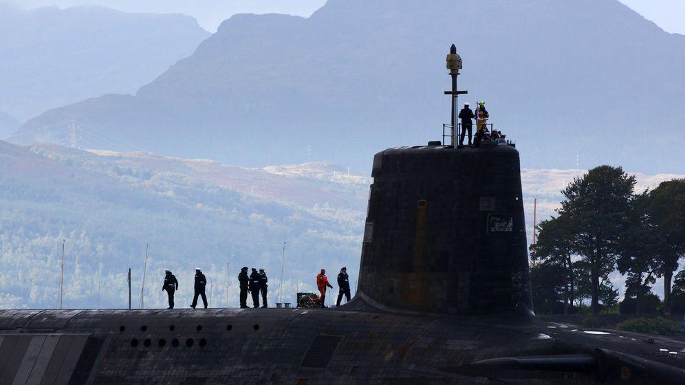 Britische Atom-U-Boote: Graue Riesen im schottischen Fjord