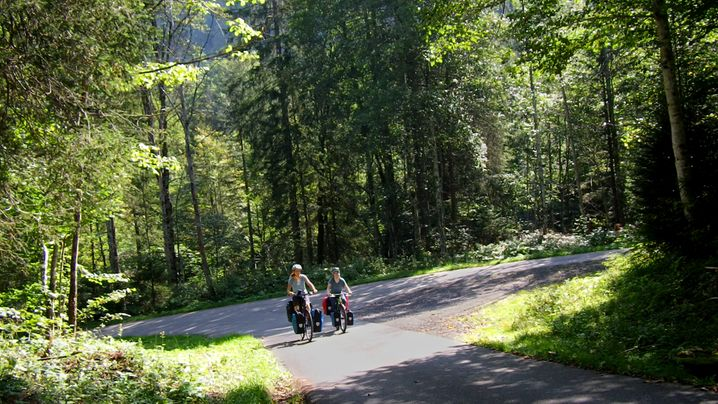 Cora Hartmann und Paula Wiesner auf Tour: Kletter-Radel-Kombi
