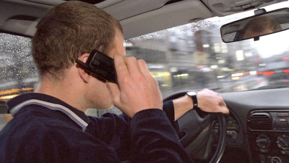 Beim Fahren telefonieren: Eine Frage des Arbeitsgedächtnisses