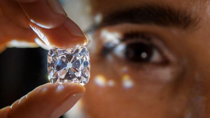Diamanten-Auktion: Im Namen des Kardinals