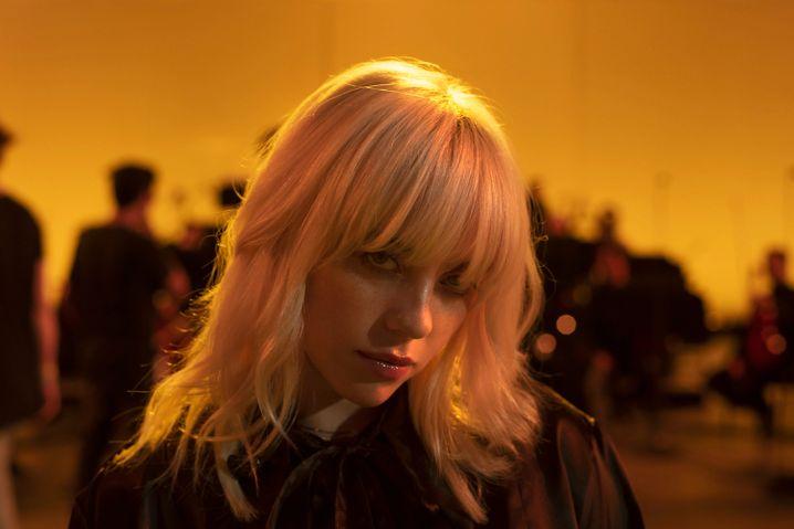 Popstar Eilish in »Happier Than Ever«: Neue, durchsichtige Berühmtheit
