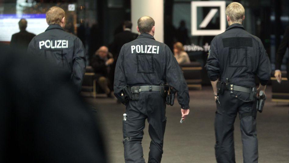 Razzia in Deutscher-Bank-Zentrale (am Mittwoch): Verheerende Wirkung auf Außenbild