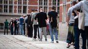 Berliner Wahllokalen fehlen Stimmzettel, lange Warteschlangen vor Ort