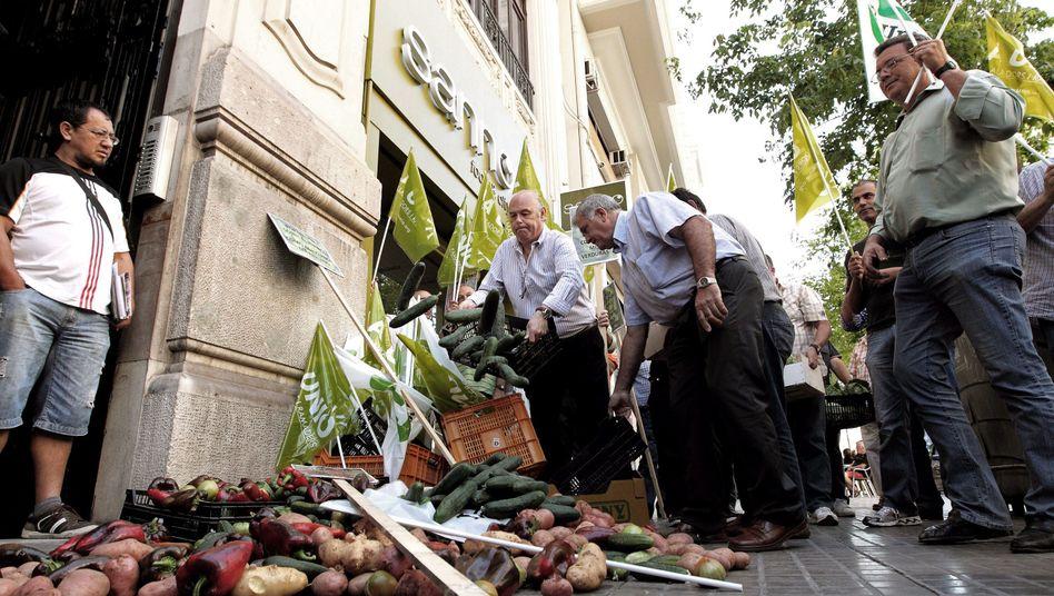 """Gemüseprotest vor dem deutschen Konsulat in Valencia: """"Guten Ruf wiederherstellen"""""""