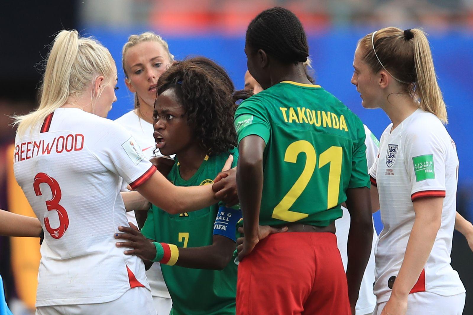 Kamerun England