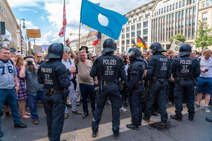 Anti-Corona-Maßnahmen-Demo der Bewegung »Querdenken 711« aus Stuttgart in Berlin am 29. August 2020