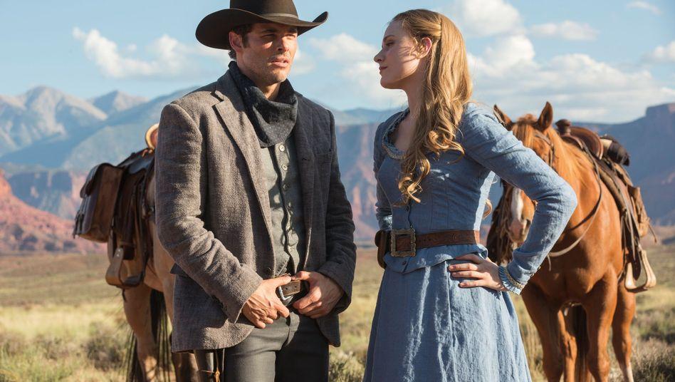 """Robotermenschen Teddy und Dolores aus """"Westworld"""""""