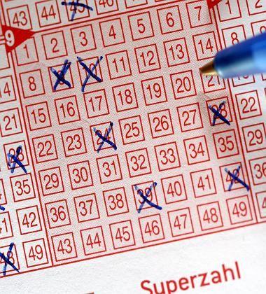 Lotto: Deutschlands staatlich sanktioniertes Glücksspiel ist eine Institution, genießt das Vertrauen der Tipper