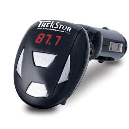 FM-Transmitter: Das Gerät bezieht seinen Strom aus dem Zigarettenanzünder, Musik wird über das Autoradio gehört