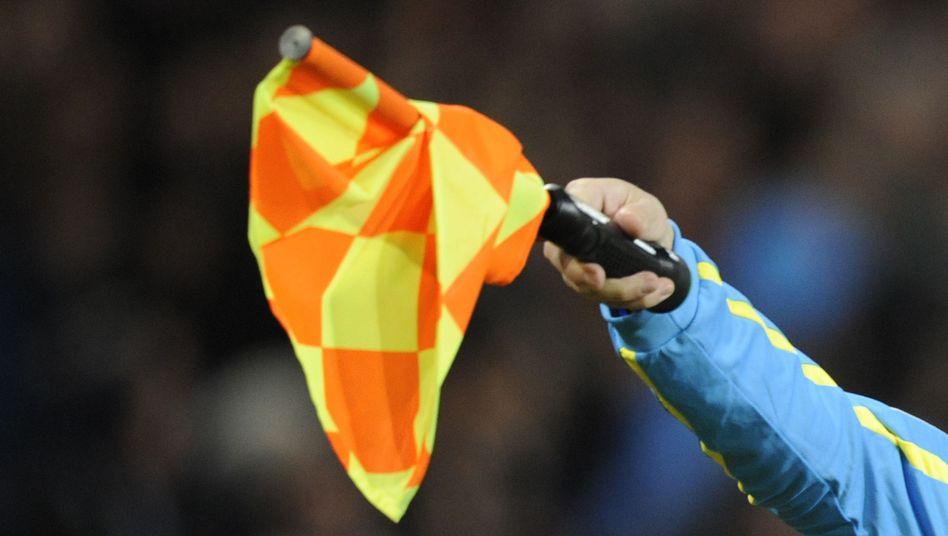 DFB-Schiedsrichter: Fahnder gehen von systematischer Steuerhinterziehung aus