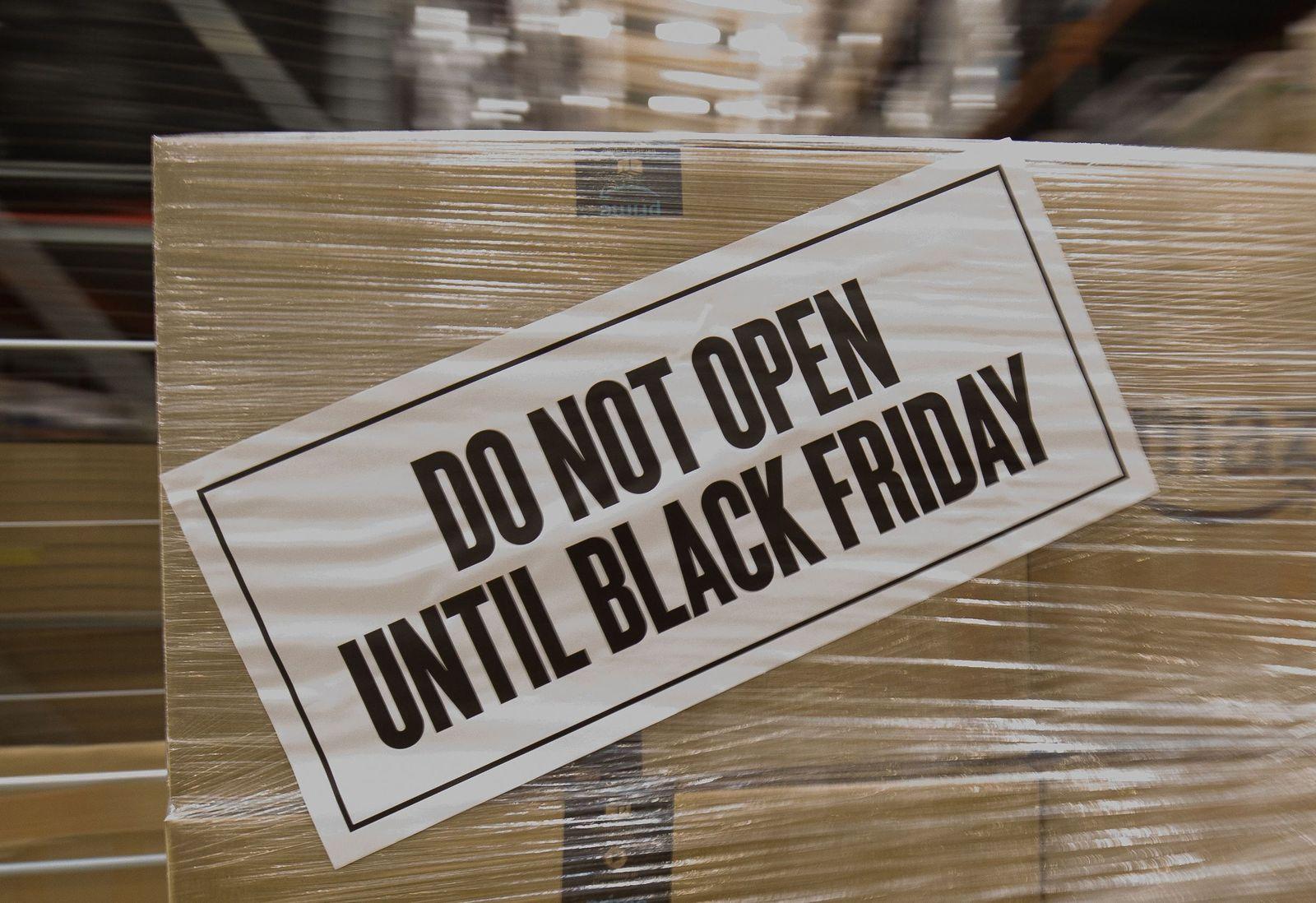 Amazon bereitet sich auf Black Friday 2017 vor