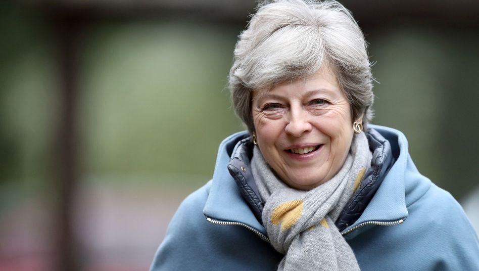 Theresa May vor dem sonntäglichen Kirchgang