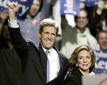 Senator Kerry (hier mit seiner Frau Teresa): Beendigung der Politik für wenige Privilegierte