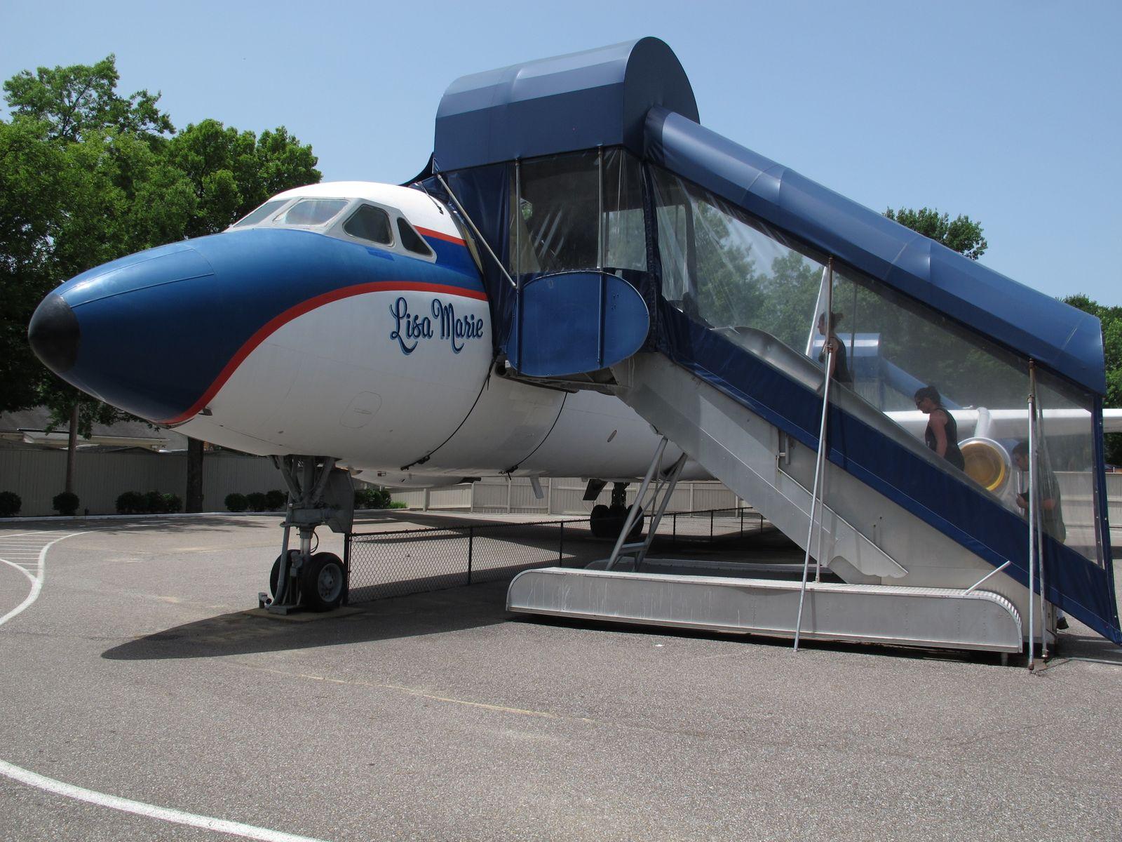 Elvis Presley - Graceland Planes