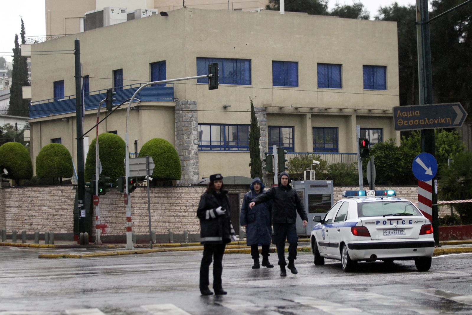 Gunfire attack with Kalashnikovs against Israeli embassy in Athen