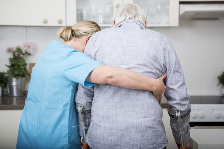 Krankenschwester mit Patient