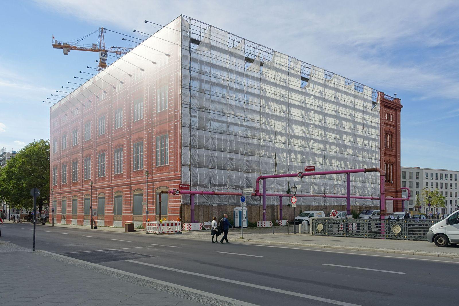 Berliner Bauakademie bzw. später Schinkelsche Bauakademie bezeichnet eine Lehranstalt des Bauwesens in Berlin, wie auch