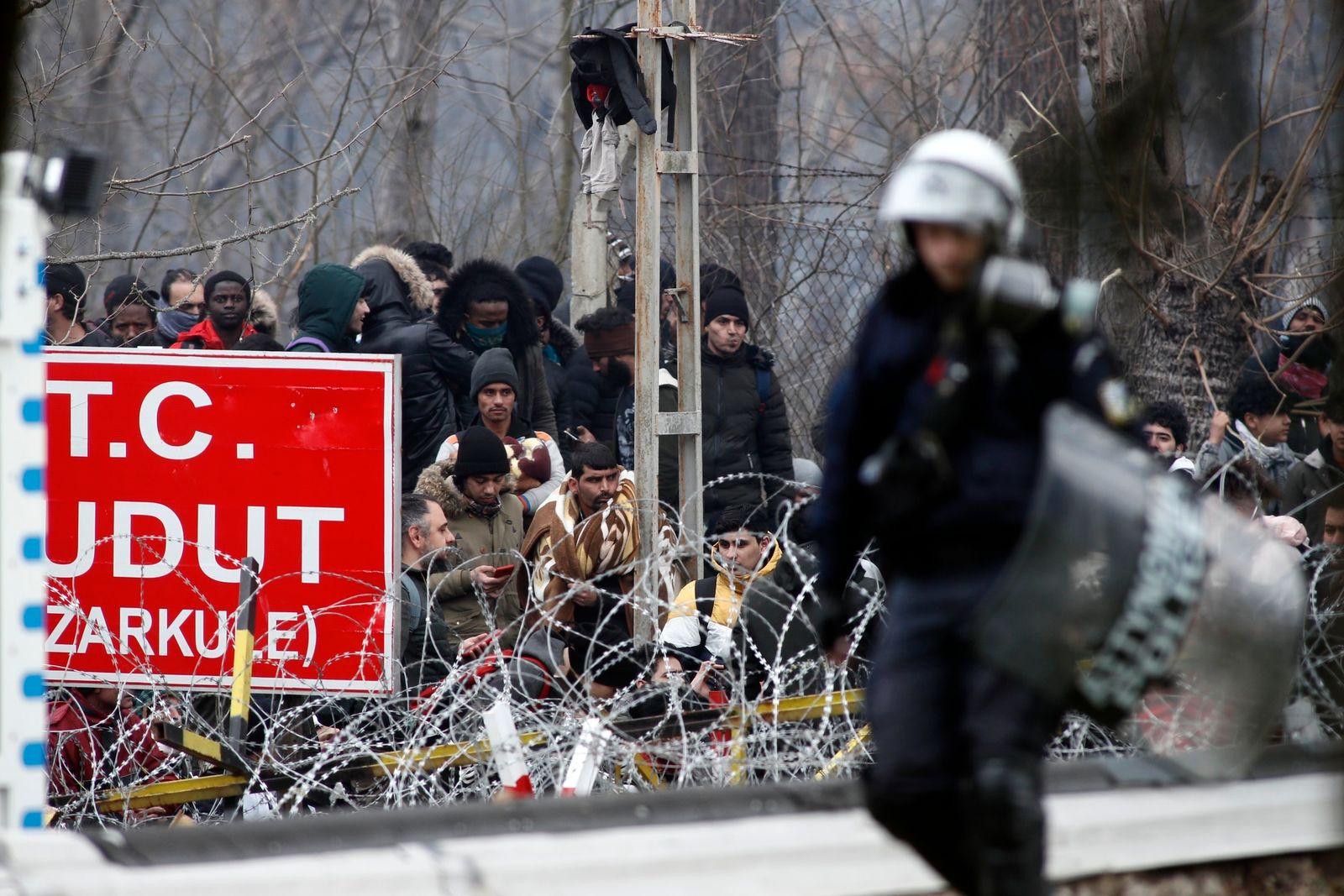 APTOPIX Greece Turkey Migrants