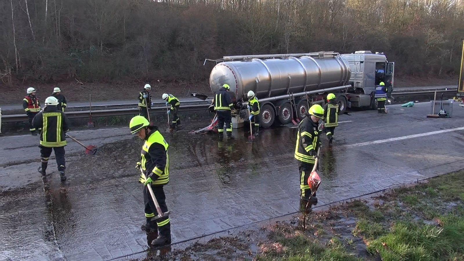Sinzig/ Verkehrsunfall/ A 61/ Zuckerrübensirup