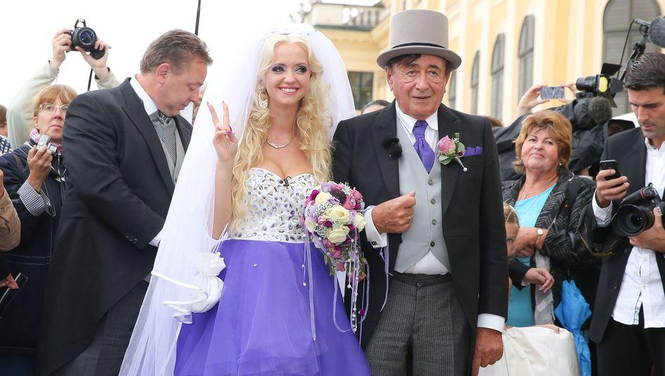 Präsidentschaftskandidat Richard Lugner mit Ehefrau Cathy, hier bei der Hochzeit 2014