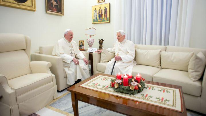 Benedikt und Franziskus: Papst trifft Papst
